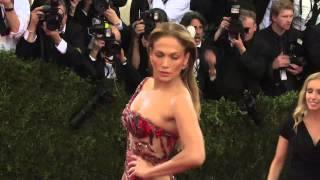 getlinkyoutube.com-Met Gala 2015 Red Carpet Arrivals