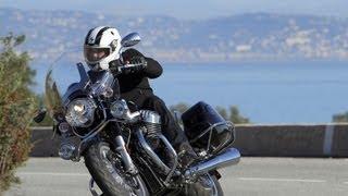 getlinkyoutube.com-Essai Moto Guzzi 1400 California : look et grosse patate !