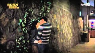 getlinkyoutube.com-보라 선우 격정적인 키스신 눈길...6년만의 애틋한 재회 [응답하라 1988] 160115