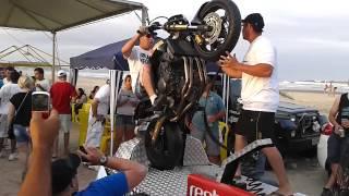 getlinkyoutube.com-Edson colocando a Hornet no Grau - Laguna 2012