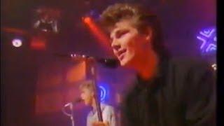 getlinkyoutube.com-A-ha - Take On Me - TOTP 1985