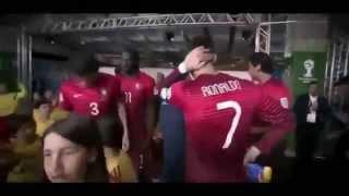 getlinkyoutube.com-7 Kebaikan Cristiano Ronaldo saat dalam pertandingan Respect