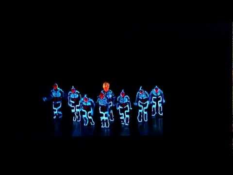 Amazing Tron Dance Performed By Wrecking Orchestra [better Q