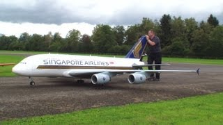 getlinkyoutube.com-Orig.RCHeliJet™ Ferngesteuert Gigantic A-380 Singapore Airlines Peter Michel Hausen a.A 2013