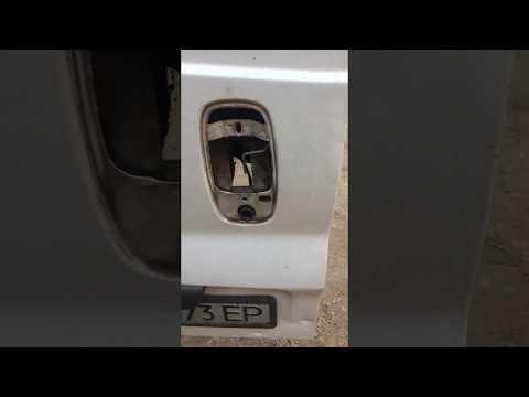 Камера заднего вида в замок Opel Vivaro