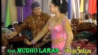 getlinkyoutube.com-Tayub ilir-ilir Ngudang Anak, Rini & Sadi Bei, Mudho Laras