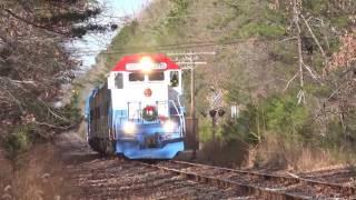 getlinkyoutube.com-HD: Cape May Seashore Lines Santa Train - Leslie RS3L Horn