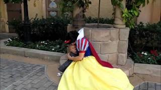 getlinkyoutube.com-Dad fails at Disney