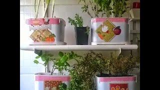 getlinkyoutube.com-Potes de sorvete viram vasos para uma mini horta