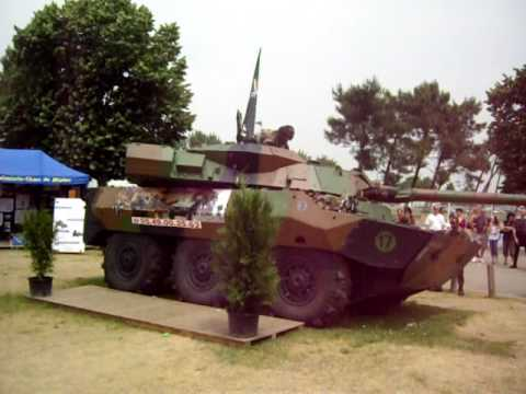 AMX 10 RC --UCf_-3yzWU