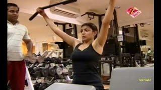 getlinkyoutube.com-Kajal Boob Show In Gym