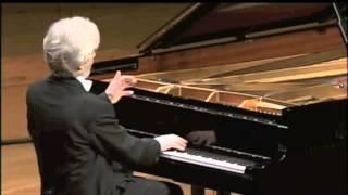 getlinkyoutube.com-Krystian Zimerman plays Mozart Sonata No. 10 in C Major, K 330 (Complete)