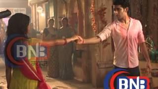 Tu Mera Hero : Titu's Panchi Aka Sonia Balani  kiss masti scene width=