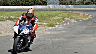 getlinkyoutube.com-Yamaha R6 + racetrack! = F1 sound! -HD-