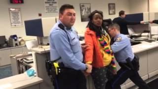 getlinkyoutube.com-Philadelphia Police Arrest at Penndot
