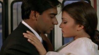 getlinkyoutube.com-Aishwairya shows ways to save a ticket - Hum Dil De Chuke Sanam