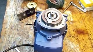 getlinkyoutube.com-Retirando la turbina de una bomba periférica