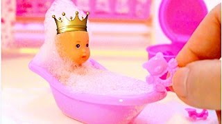 getlinkyoutube.com-Baby Doll Eating Food Baby Doll Potty Training Bath time change diaper