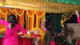 getlinkyoutube.com-apu and ribi holud dance 3