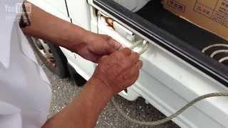 getlinkyoutube.com-軽トラックで荷物を運ぶ時のヒモの縛り方を教えてもらった