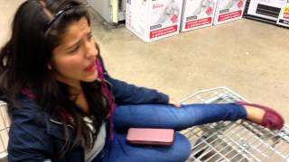 getlinkyoutube.com-Rafa me hace bullying - Los Polinesios en Home Depot