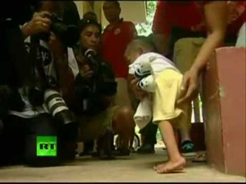 SMALLEST MAN IN THE WORLD is Filipino Junrey Balawing