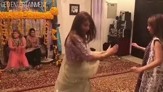 Neelam Muneer Dance On Pashto Song 'RO RO BARAN DA 2018 width=