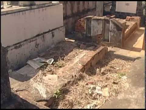 Jazigos abandonados no cemitério de Piracicaba serão leiloados