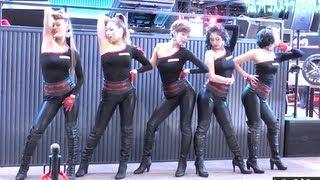 getlinkyoutube.com-SEXYなヒップホップダンス 東京オートサロン「ブリヂストン」HIPHOP DANCE サムライコスメチック
