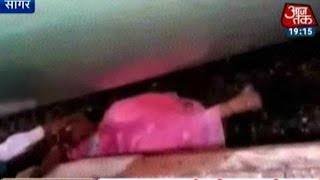 getlinkyoutube.com-India 360:  Woman Beats Death After Falling Between Train And Platform