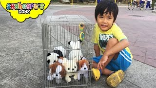 getlinkyoutube.com-Poor Puppies inside a cage - playtime with animal toys for kids