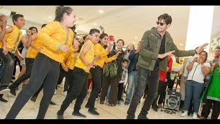 getlinkyoutube.com-Bollywood welcome for Sidharth Malhotra at Christchurch Airport