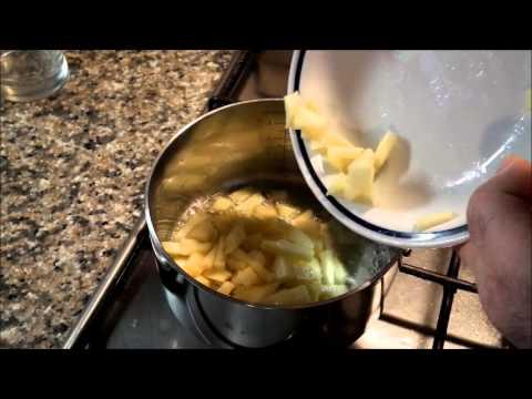 Sfogliatine di mele con uvetta, noci, pinoli e cannella