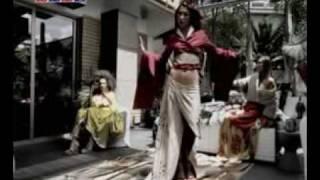 Hande Yener – Kim Bilebilir Aşkı