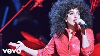 getlinkyoutube.com-Tony Bennett, Lady Gaga - Bang Bang (My Baby Shot Me Down)
