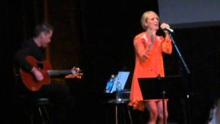 getlinkyoutube.com-Something in the Water - Carrie Underwood (All for the Hall NYC)