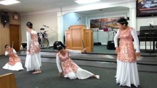 getlinkyoutube.com-Yo Soy quien te Levanto Danza para Dios
