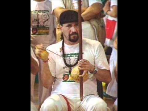 Capoeira Me Leva de Mestre Toni Vargas Letra y Video