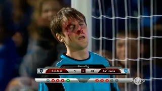 getlinkyoutube.com-Arquero ataja penales con la cara!! El mejor arquero del mundo! Reacción Fran MG