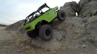 getlinkyoutube.com-Axial SCX10 deadbolt rock crawling