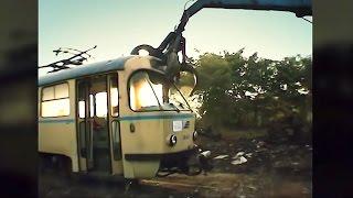 getlinkyoutube.com-Good bye Tatra - Brutale Verschrottung der DDR Tram T4D