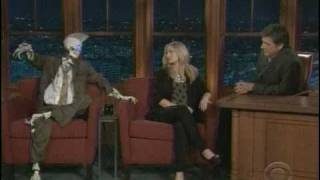 getlinkyoutube.com-Kristen Bell Late Late Show with Robot Sidekick