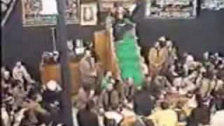 getlinkyoutube.com-YouTube - الشيعي محمد باقر الحكيم يلطم بجنون هههههه.flv