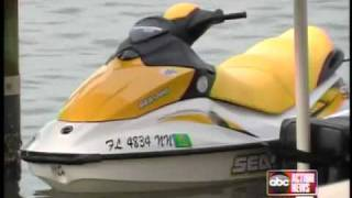 getlinkyoutube.com-Teen leg nearly severed by jet ski accident