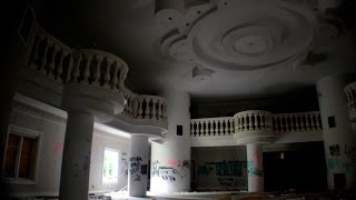 getlinkyoutube.com-Exploring a Criminal's Abandoned $8 Million Mansion - NJ