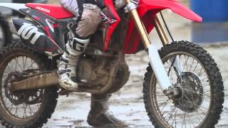 getlinkyoutube.com-Racer X Films: 2016 CRF250R Intro