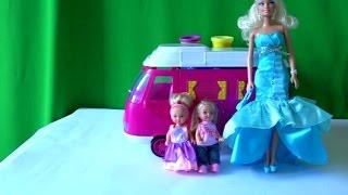 getlinkyoutube.com-Видео с куклами Барби, Челси и Еви едут в машинке трейлере на пикник ферма с домашними  жывотными