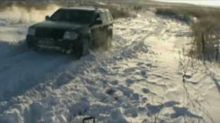 getlinkyoutube.com-Jeep Grand Cherokee 3.7 off road in snow test HQ