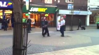 getlinkyoutube.com-Old Guy Boxes Street Thug And Gives Him A Lesson