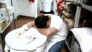 getlinkyoutube.com-miraron llorar a este hombre vicente fernandez